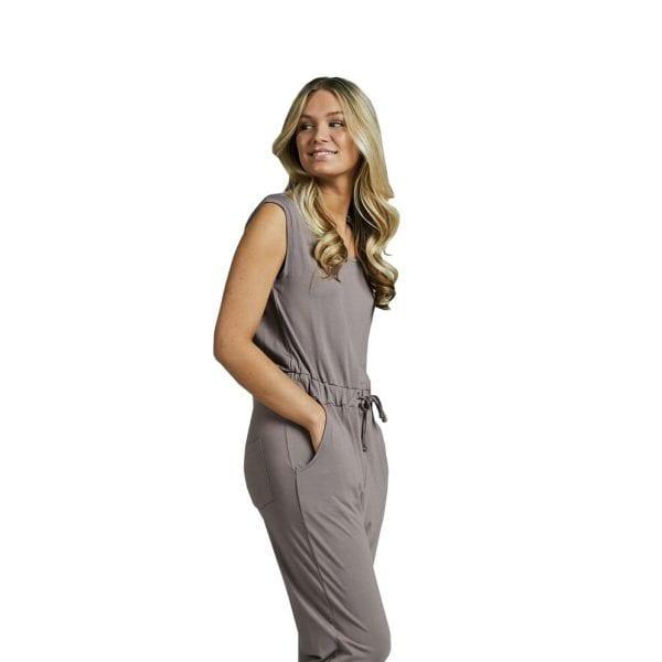 ärmlös jumpsuit grå